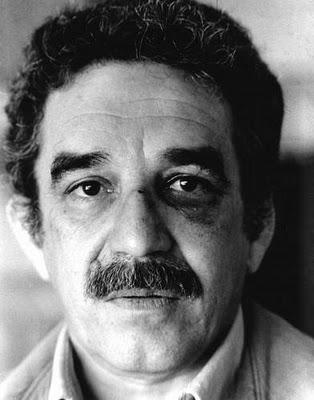 Gabriel García Márquez con un ojo morado, tras un puñetazo de Vargas Llosa. Pincha para saber más