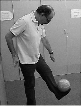 Alfonso, con gran dominio del balón, a lo CR7