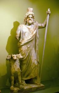 Hades, con su perrito.